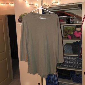 American Eagle 3/4 sleeve t shirt